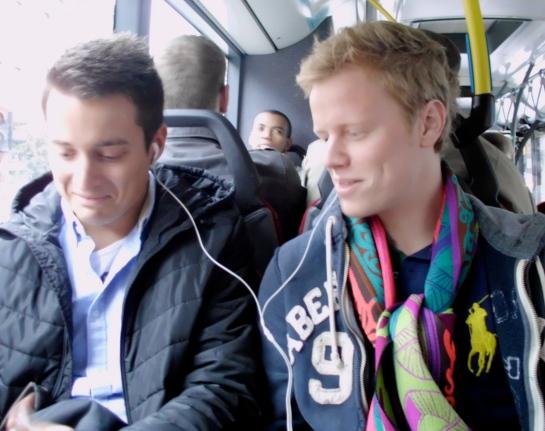 Men in Liege like to wear scarves too.